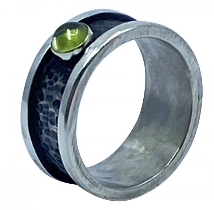 Gehämmerter Peridot Ring Silber 925